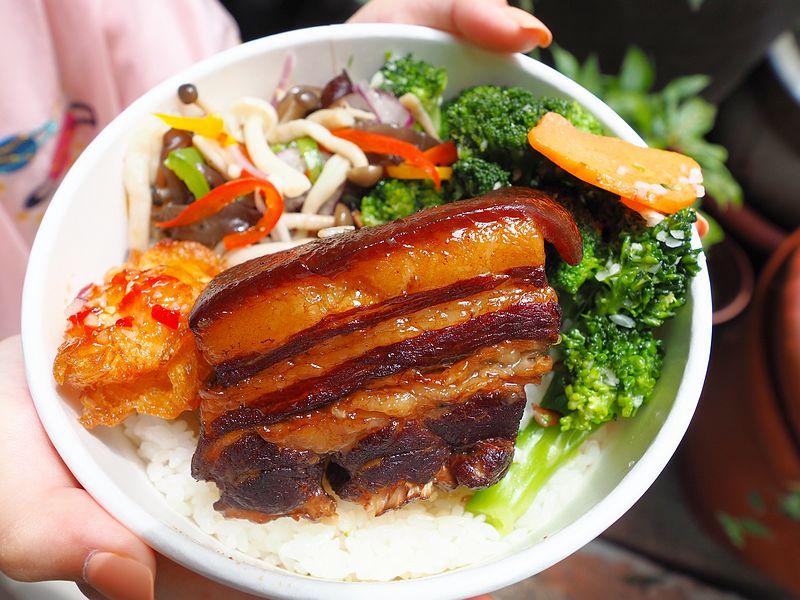 最新推播訊息:只要135元就可以吃到超有份量的東坡肉便當
