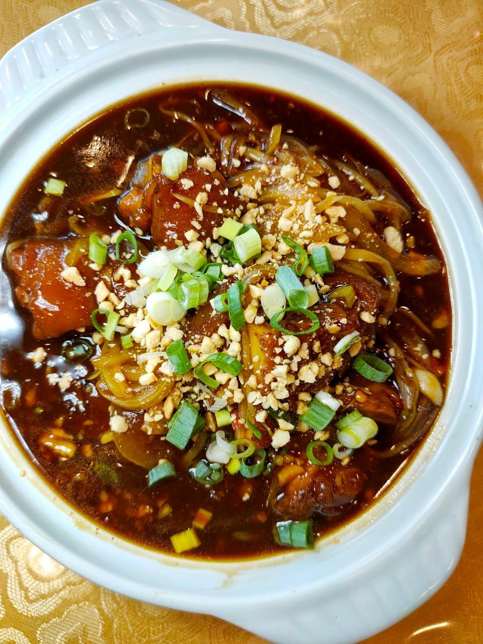 龍潭美食,金皇天下館,外帶,三菜一湯,單點八折,水煮魚,韓式燉豬腳,麻婆豆腐
