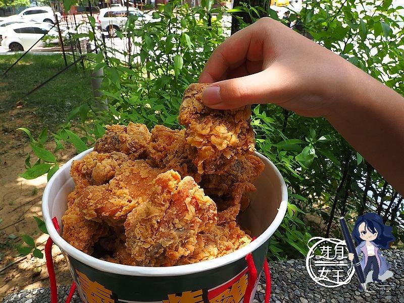 中壢美食,拿坡里炸雞,拿坡里新品,拿坡里優惠,重量級腿排桶,中壢SOGO,六和商圈,長薯條