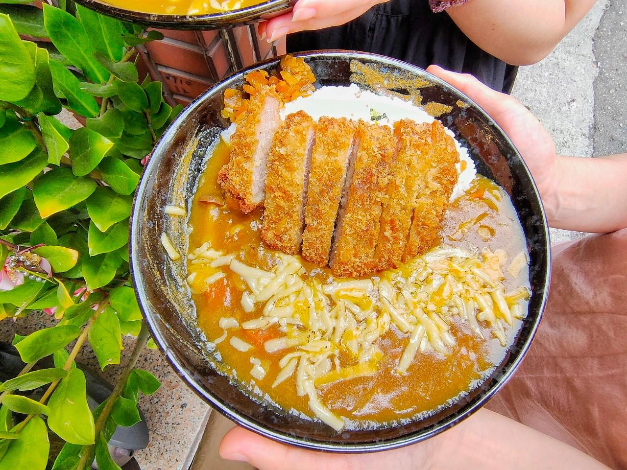 桃園區美食-揪丼 日式丼飯の海鮮丼飯-美食百貨內好吃的炸牛排丼飯,炙燒鮭魚干貝丼飯只要360元  (邀約)