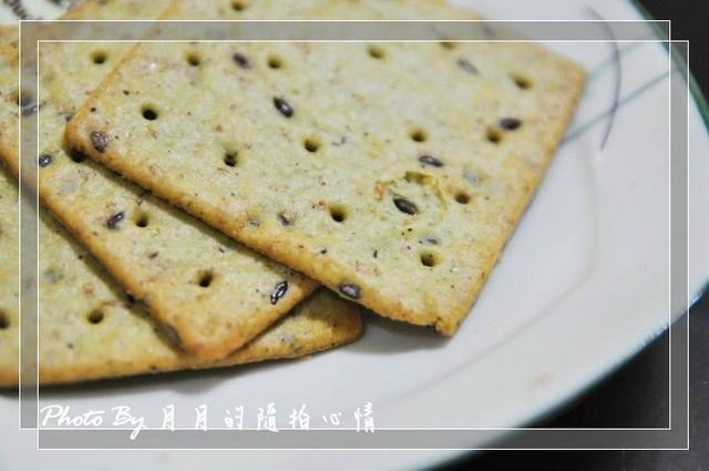 寫手-統一亞麻仁系列餅乾–新一代的養生好選擇 @民宿女王芽月-美食.旅遊.全台趴趴走