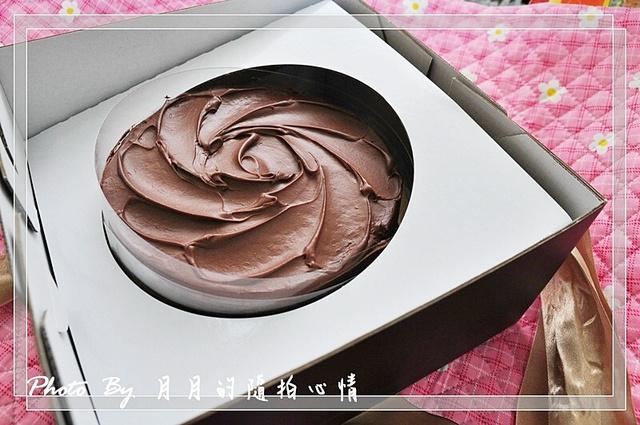 試吃-亞曼金鮮奶布蕾巧克力-略帶苦味走成熟風 @民宿女王芽月-美食.旅遊.全台趴趴走