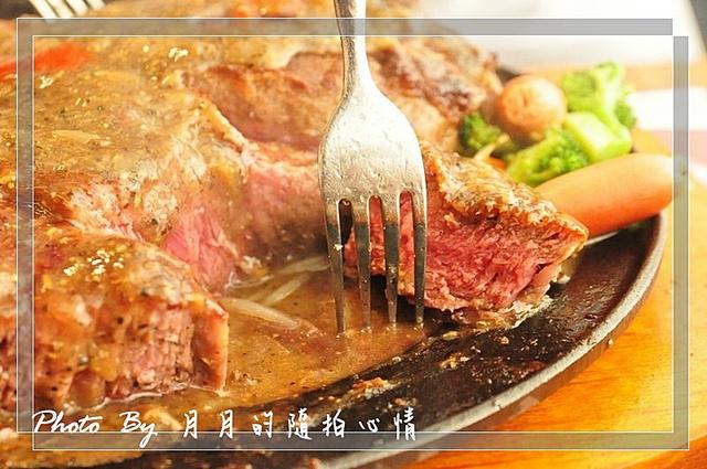 板橋-瘋牛排洋食55盎司挑戰成功-筋可以少一點嗎?? @民宿女王芽月-美食.旅遊.全台趴趴走