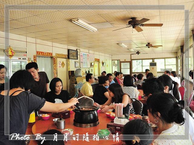 台南大內-山之內土雞城–好大一隻放山雞兒 @民宿女王芽月-美食.旅遊.全台趴趴走